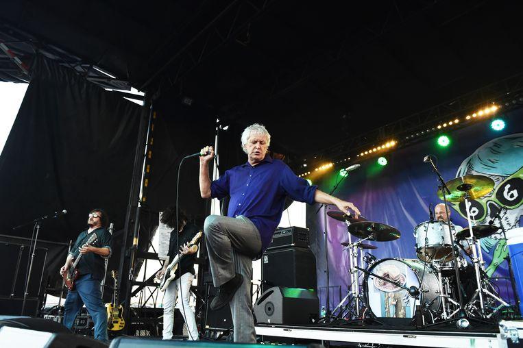Robert Pollard van Guided by Voices, tijdens een concert in 2017 in San Pedro, California, VS. Beeld Getty Images