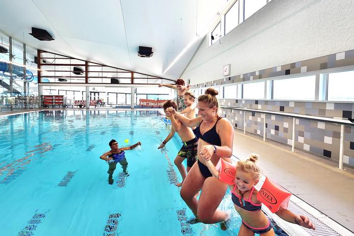 De heropening van zwembad De Schelp op 2 september 2019 verliep voor de zwemmers misschien feestelijk, maar al op die dag waren de technische storingen niet van de lucht.