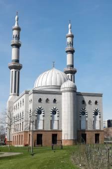 'Zwarte lijst moskeeën met geld uit buitenland'