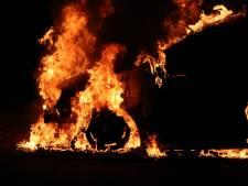 Alweer een autobrand in Enschede, derde in week tijd