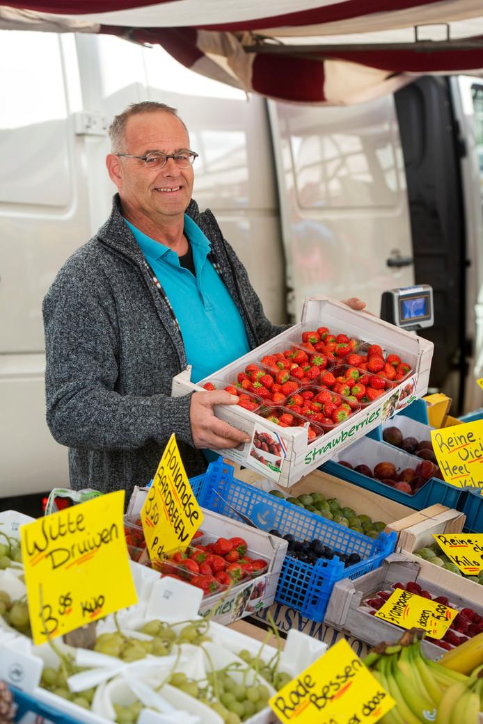 Kees den Hartog op de weekmarkt in Zetten.