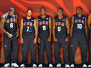 Amerikaanse basketball-selectie van 2008 LeBron James, Deron Williams, Michael Redd, Dwyane Wade en Kobe Bryant.
