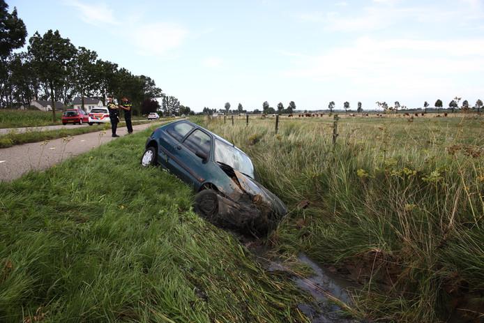 De auto in de sloot bij Lienden