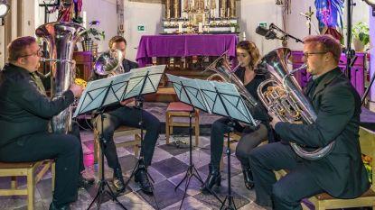 Intieme kerkhofconcerten winnen aan populariteit