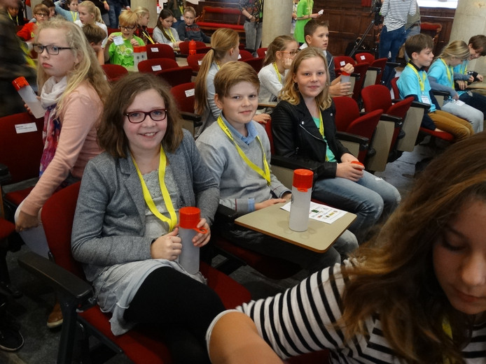 Maud Reuver, Imke Lage Venterink en Paul Reef wisten voor de Nutsschool de vijfde prijs binnen te halen in een landelijke quiz voor slimme basisschoolleerlingen.