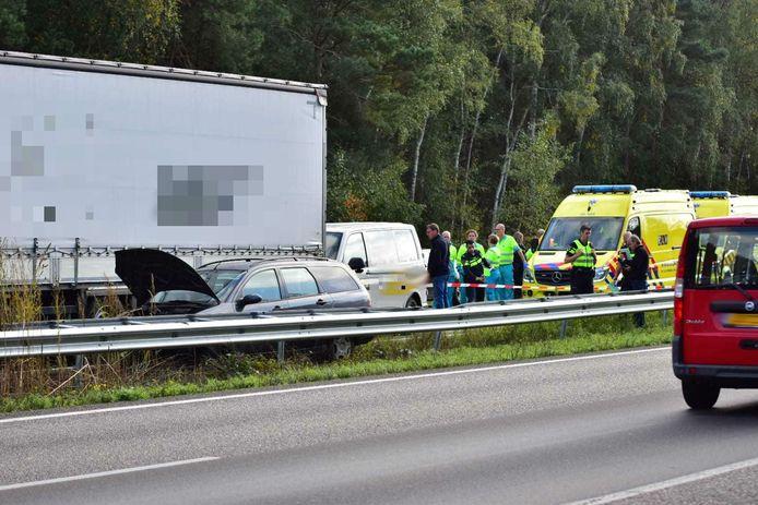Bij het ongeluk op de A4 bij Hoogerheide raakten twee mensen gewond.