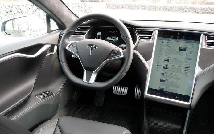 Indrukwekkend: het grote touchscreen in de Tesla Model S
