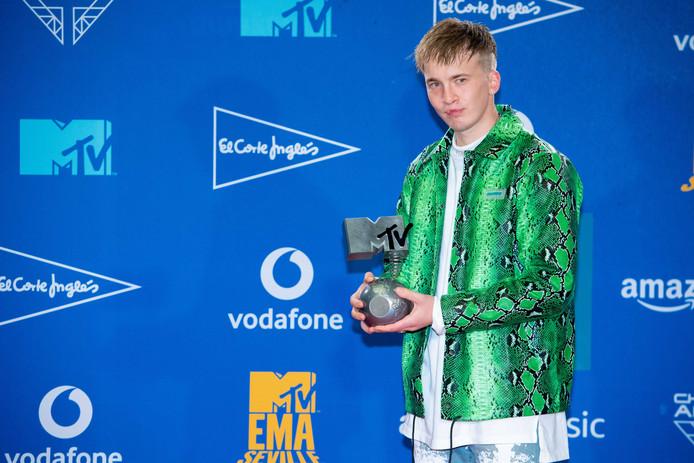Lars Bos, alias rapper Snelle, in de Winners Room tijdens de uitreikingen van de MTV Europe Music Awards in november.