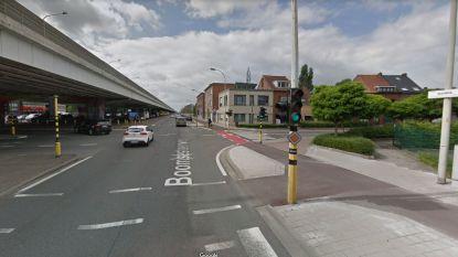 Fietser zwaargewond bij dodehoekongeval met vrachtwagen in Antwerpen