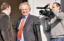 Coldcase-expert Peter van Koppen Imidden) tijdens het proces over de Parachutemoord, in 2010 voor een jury in Het Belgische Tongeren.