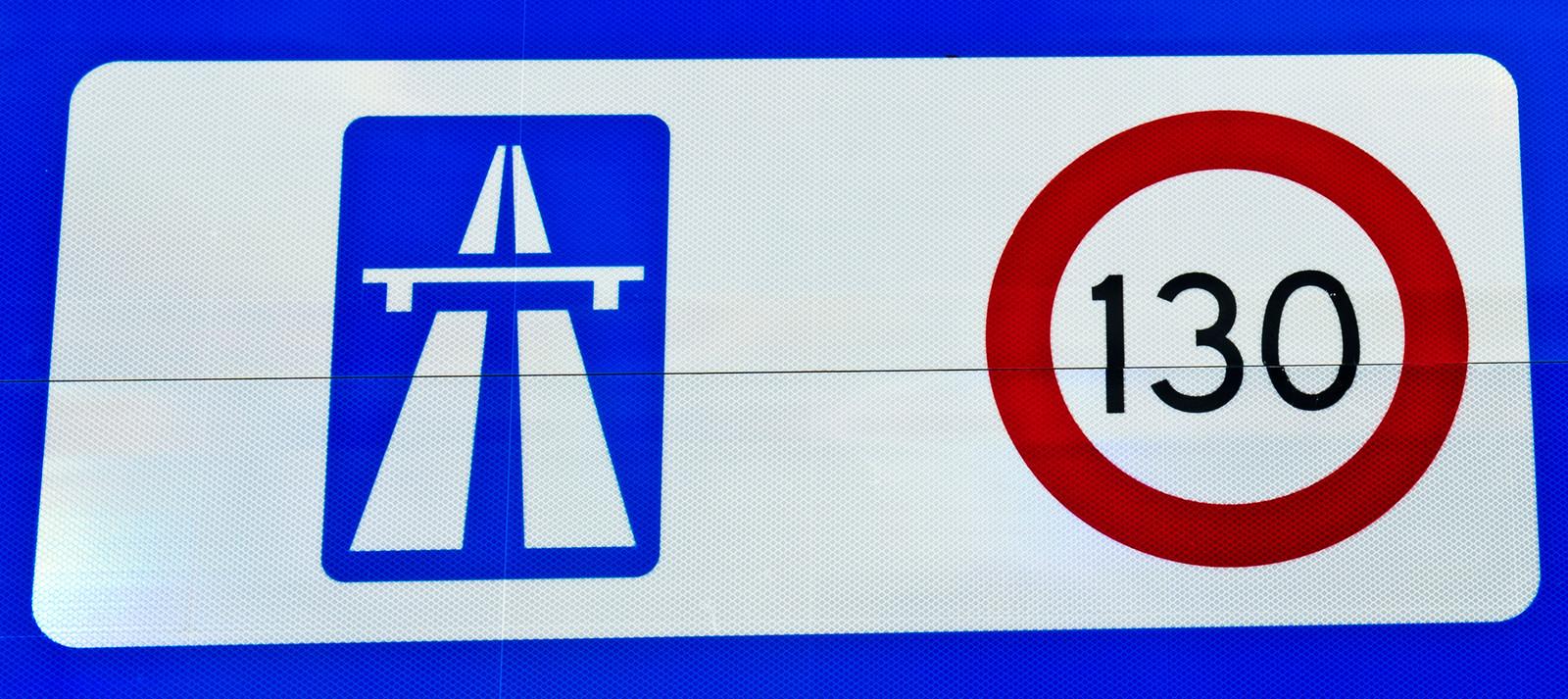 Vanaf 2012 mag er op de Nederlandse A-wegen, met de nodige beperkingen, gereden worden met een maximumsnelheid 130 kilometer per uur