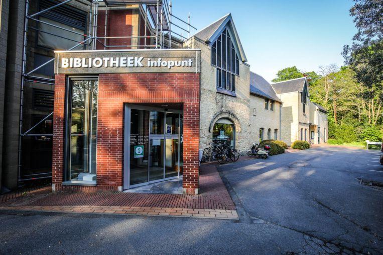 Studenten kunnen onder meer terecht in de bibliotheek van Oostkamp.