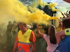 Duizenden NAC-fans zwaaien selectie uit voor finale in Nijmegen