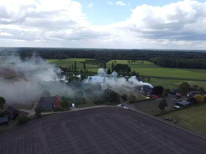 In een kantoorpand in Vorden is brand uitgebroken.