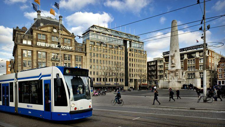 Een tram op de Dam, gefotografeerd in januari vorg jaar. Beeld null