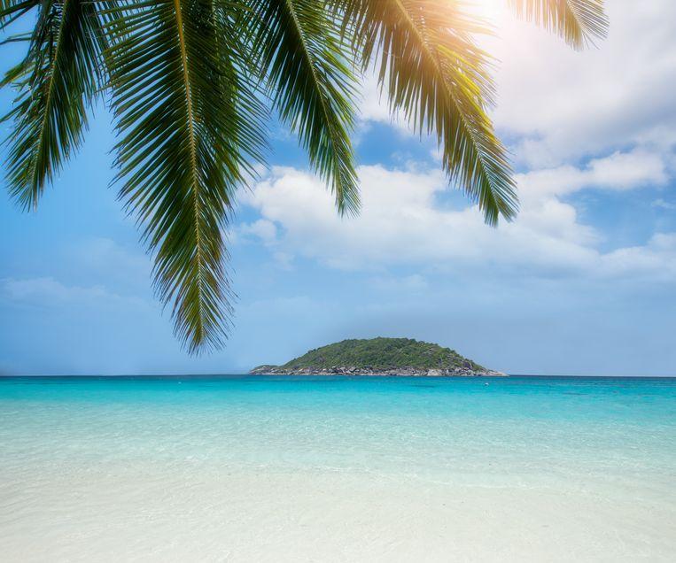 Het jaarlijkse vakantiegeld, veelal uitgekeerd in mei of juni, doet zijn naam eer aan: het meeste wordt gebruikt voor vakantie. De gemiddelde vakantie dit jaar duurt vijftien dagen en kost zo'n 2300 euro. Beeld COLOURBOX
