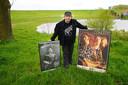 Nick Helmond van het Zeeltjeteam tussen posters van zijn muzikale helden Lemmy Kilmister van Motörhead en Rory Gallagher.