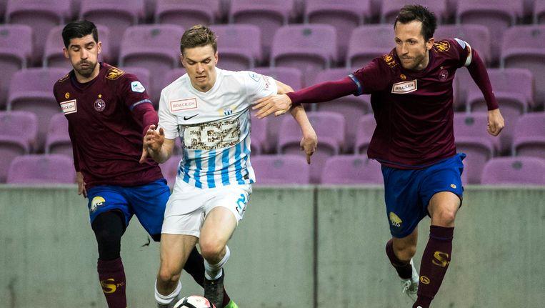 Anthony Sauthier (rechts) in duel met Nicolas Stettler van FC Zürich.