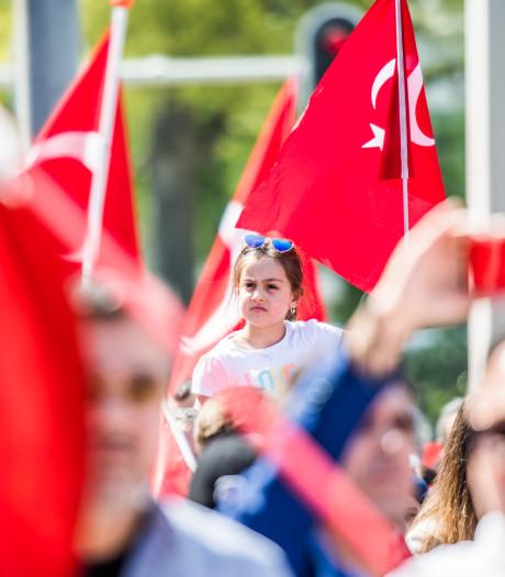 Turken vieren feest met driedaags festival in Arnhem