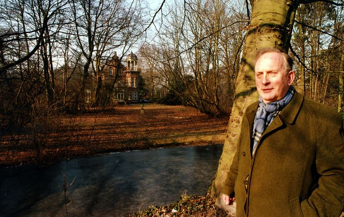 Ewald Marggraff op zijn landgoed Zionsburg in Vught, bijna vier maanden voor zijn overlijden in 2003.