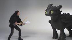 VIDEO. Kit 'Jon Snow' Harington vecht tegen schattige draak in 'How To Train Your Dragon 3' teaser