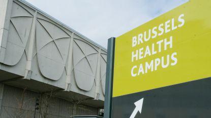 UZ Brussel verplicht mondmaskers voor bezoekers