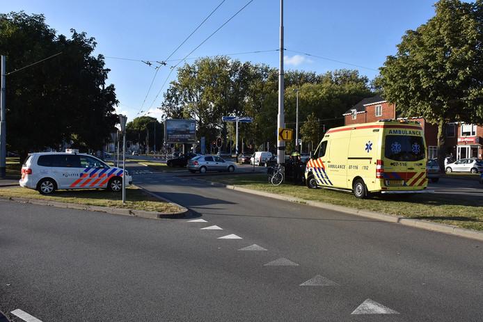 Hulpdiensten ter plaatse op de plek van het ongeval.