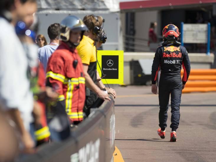Verstappen baalt verschrikkelijk van strategie: 'Heb 77 rondes achter een Mercedes aangereden'