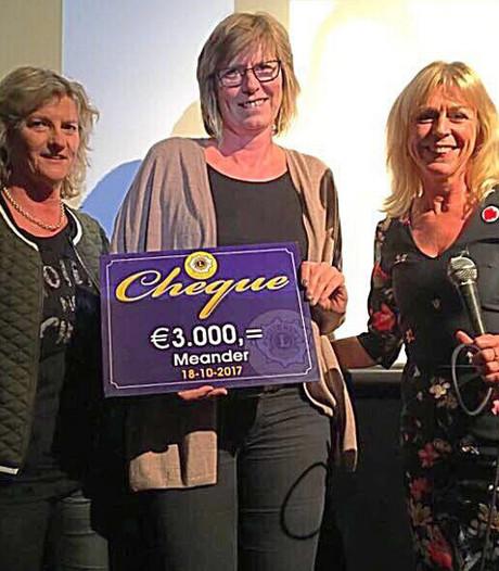 Ladies Night in Oldenzaal levert 3.000 euro op voor goed doel