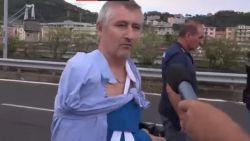 """VIDEO. Deze man overleefde instorting brug: """"Ik vloog tien meter ver en raakte een muur"""""""