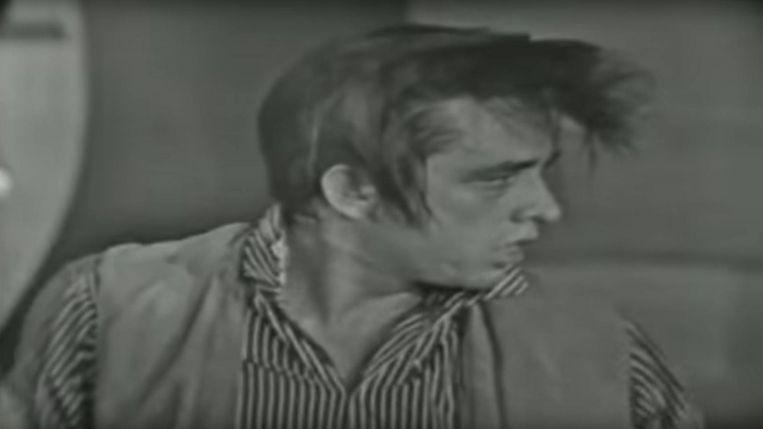 Johnny Cash kamde eerst zijn haar naar voren om vervolgens een venijnige imitatie te doen. Beeld