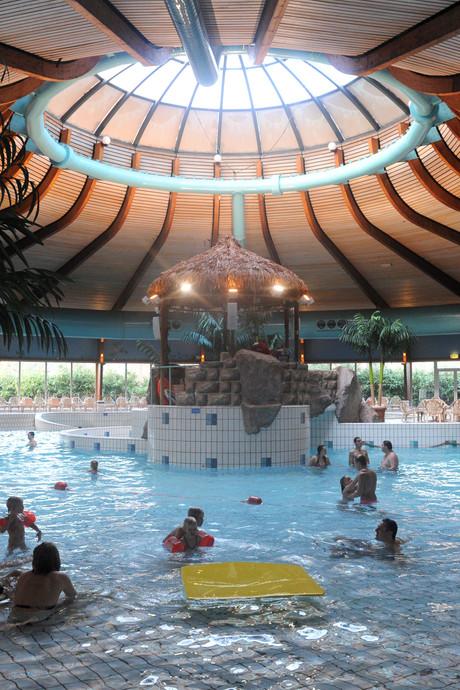 PvdA wil mening van gebruikers over zwembaden Enschede