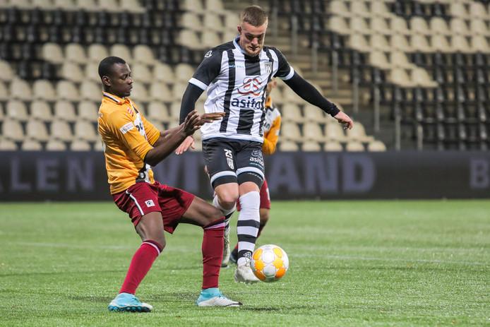 Joey Konings scoorde voor Heracles 2, maar dat was niet voldoende tegen PEC Zwolle (3-1 verlies).