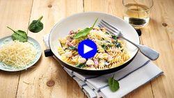 Nood aan comfortfood én wijn? Deze romige pasta combineert beide