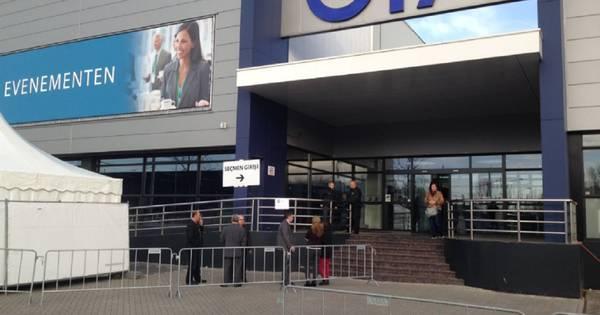 Turkse nederlanders stemmen in den haag 39 ik geloof niet for Turkse reisbureau den haag