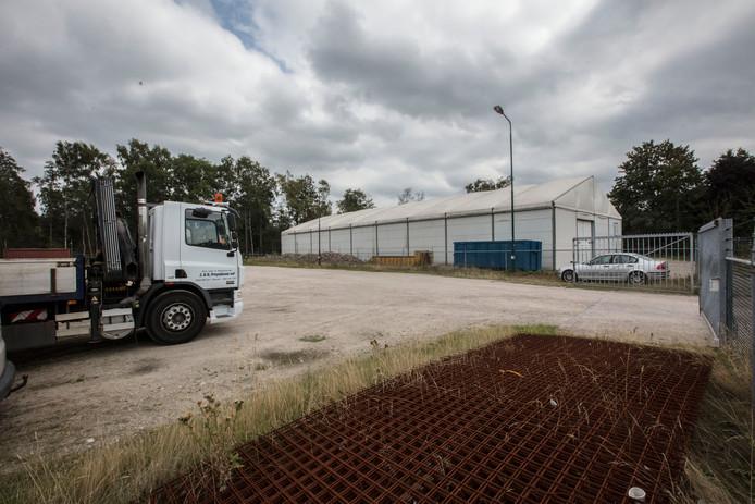Vrachtwagenparkeerplaats aan de Deneweg in Reusel