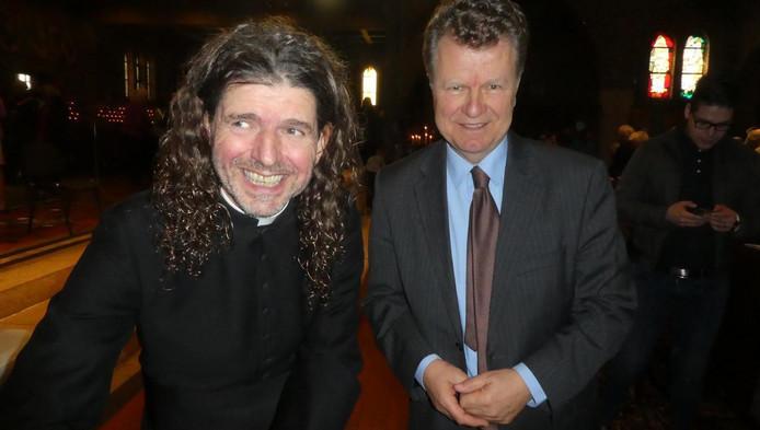 Piere Valkering op zijn boekpresentatie met oud-politicus Boris Dittrich