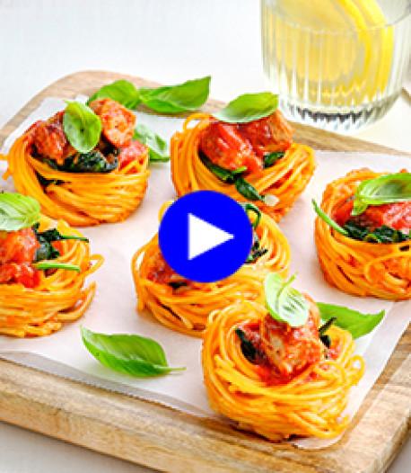 Créativité et spaghettis: les enfants vont adorer ces nids de pâtes farcis