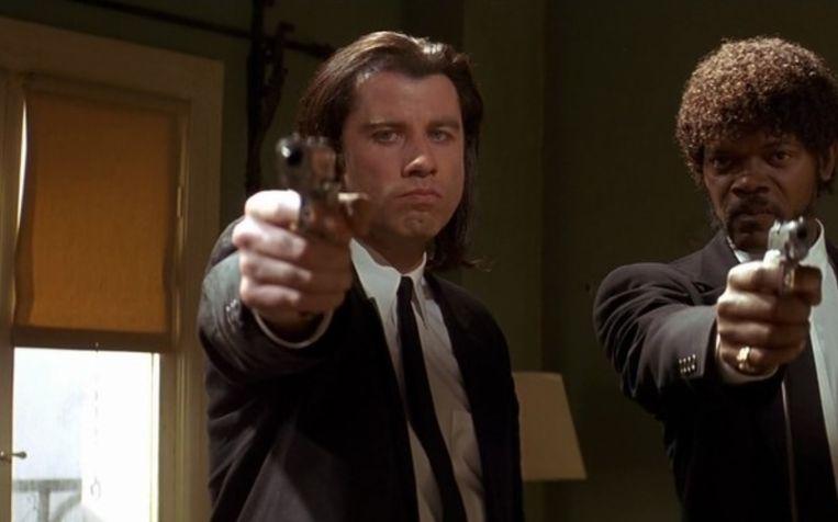 John Travolta als 'Vincent Vega' en Samuel L. Jackson als 'Jules Winnfield' in 'Pulp Fiction'.