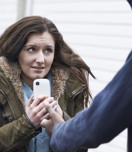 Vrouw uit het niets aangevallen door man in Uden, politie zoekt getuigen