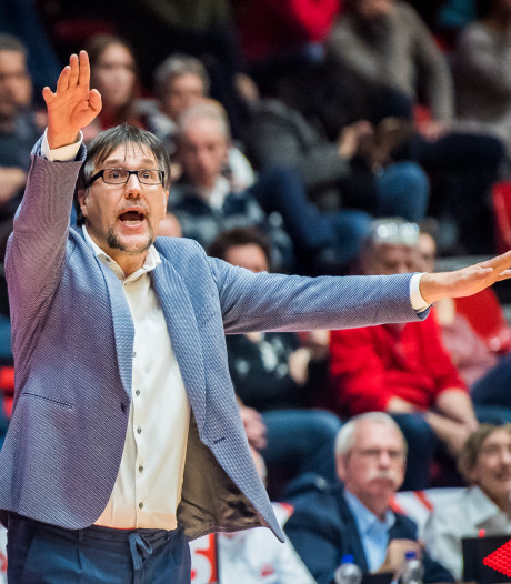 New Heroes verder met coach Poropat