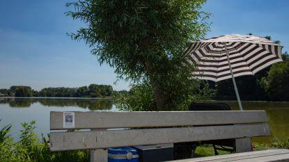 Beluister aangrijpende dialogen op 20 locaties in Berlare via 'Het Bankje'