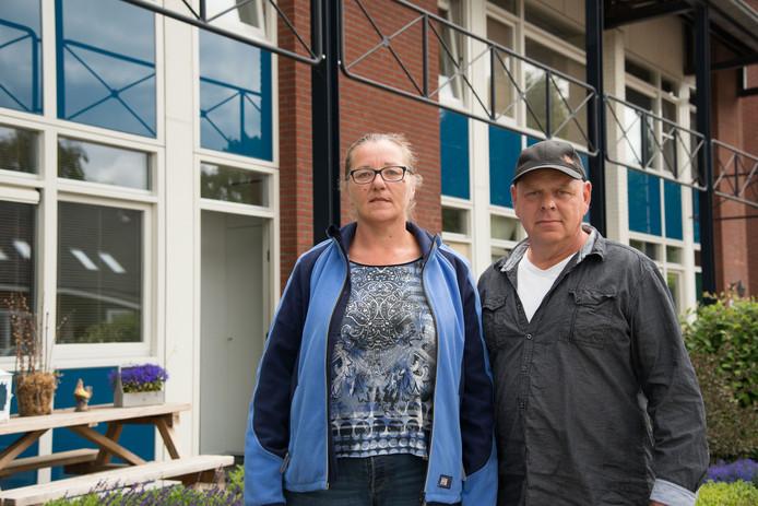 Roos Käsebier en Hans Kriebel kregen een dwangsom van 30.000 euro vanwege illegaal permanent wonen in een recreatiebungalow.