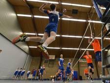 Volleyballer Vernooij (Shot) breekt vinger