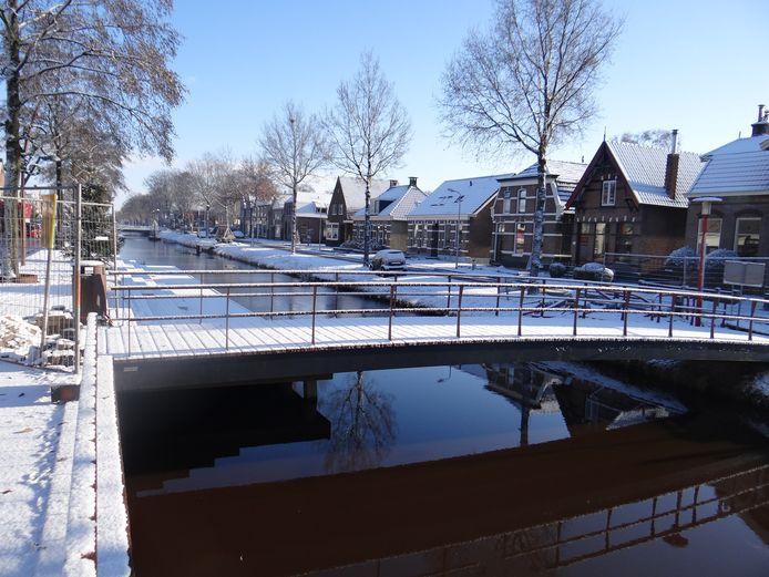 Dedemsvaart is gek op haar vaarten en kanalen. Gedempte waterpartijen zouden in ere hersteld moeten worden, is een van de ideeën voor het dorpsplan. Archieffoto: Wim de Jonge