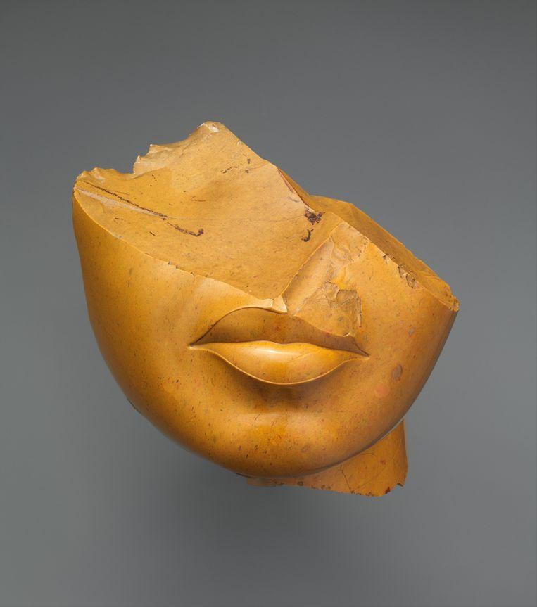 Fragment van  een koningin, circa 1353-1336 voor Christus, Egypte, Metropolitan Museum New York.  Beeld Metropolitain Museum of Art, New York