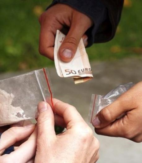 Zeven man opgepakt voor drugs dealen in Zwolle