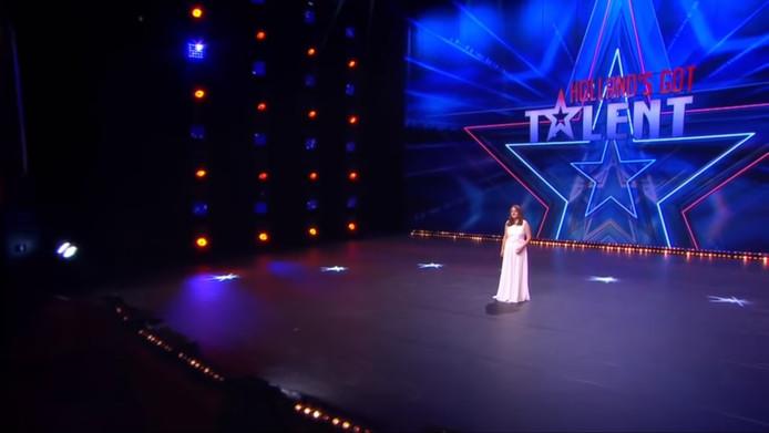 Videostill van 'een van de beste optredens ooit' in Holland's Got Talent.