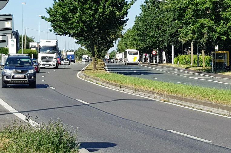 De spoorkijder crashte op de rijstroken in de richting van Brussel op een tegenligger.