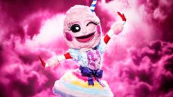 Het raden kan beginnen: wie is de mysterieuze Suikerspin uit 'The Masked Singer'?